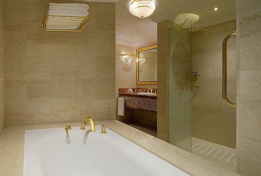 Sheraton Grand Hotel (fotografie 11)