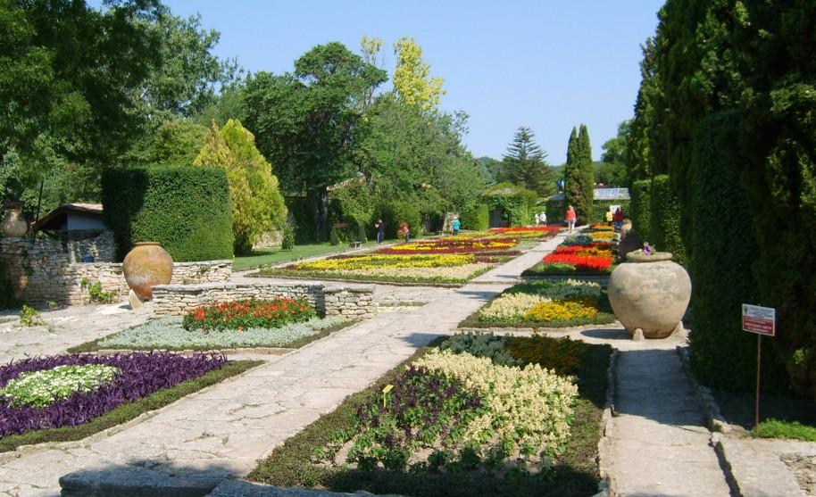 botanická zahrada u letohrádku královny Marie v Balčiku v Bulharsku