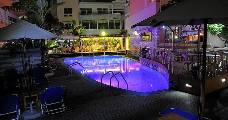 Hotel Agla (fotografie 1)