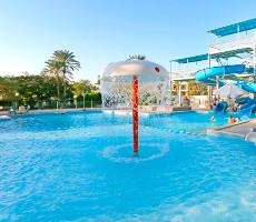 Hotelový komplex Regina Swiss Inn Resort & Aqua Park