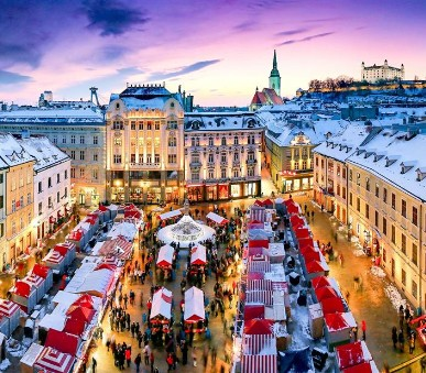 Adventní trhy v Bratislavě (hlavní fotografie)