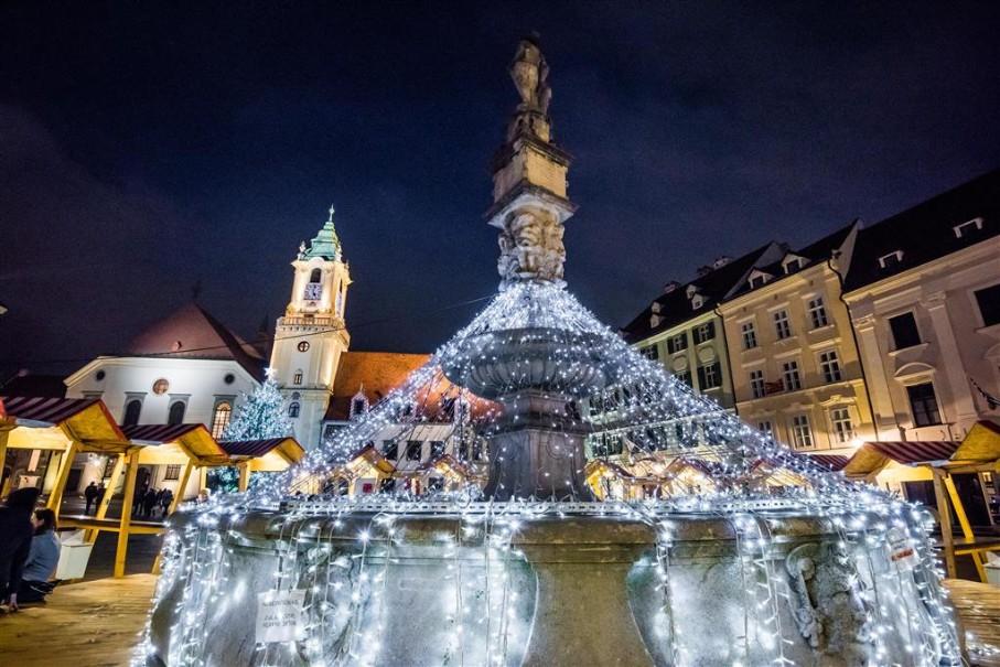 Adventní trhy v Bratislavě (fotografie 3)