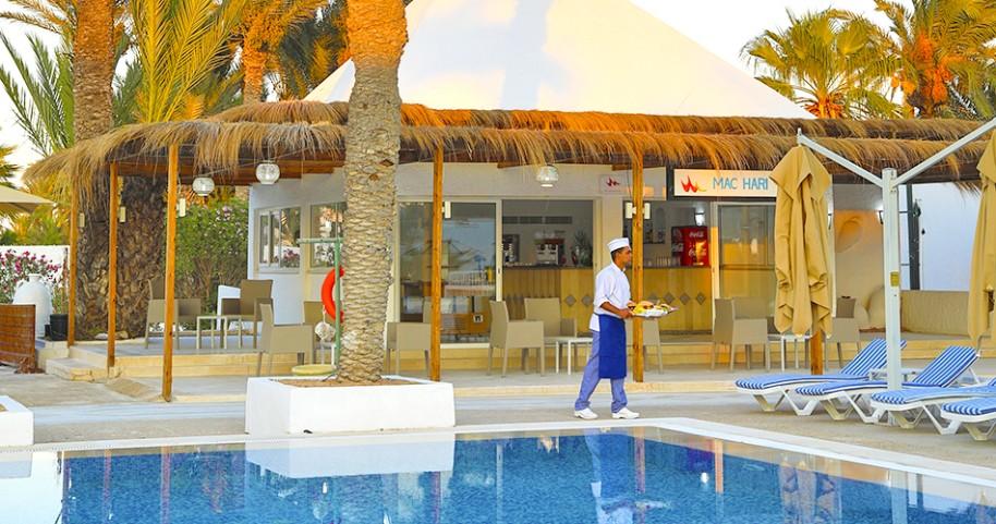 Hotel Cooee Hari Club Beach Resort (fotografie 8)
