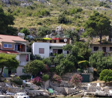 Apartments Roko Bilo