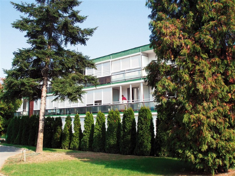 Apt. dům Tavasz (fotografie 2)