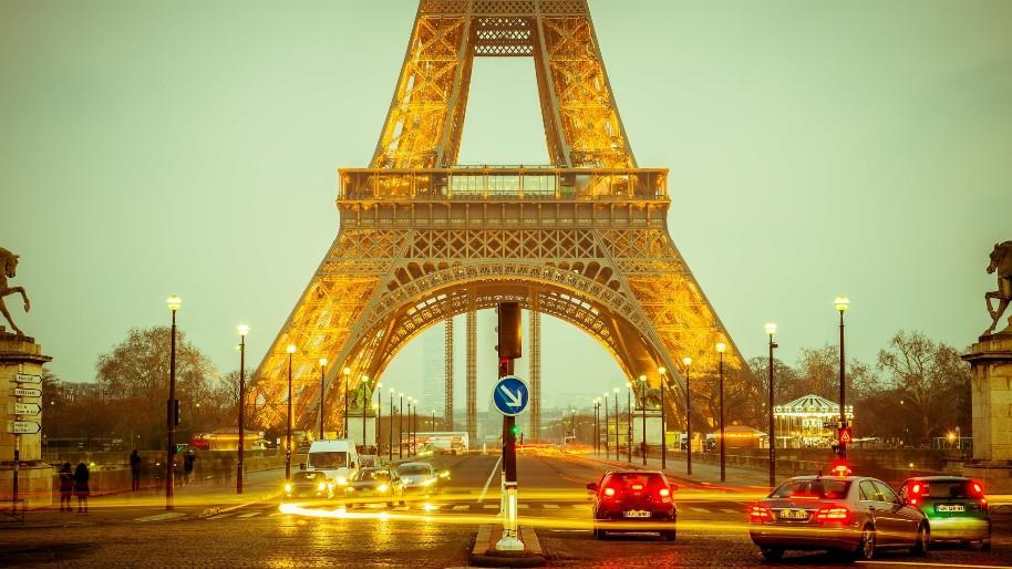 Silvestr v Paříži - vítáme rok 2020 pod Eiffelkou (fotografie 5)