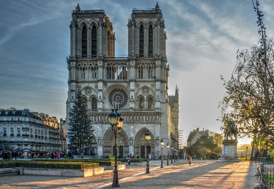 Silvestr v Paříži - vítáme rok 2020 pod Eiffelkou (fotografie 1)