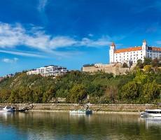 Bratislava, město tisíce požitků s plavbou po Dunaji