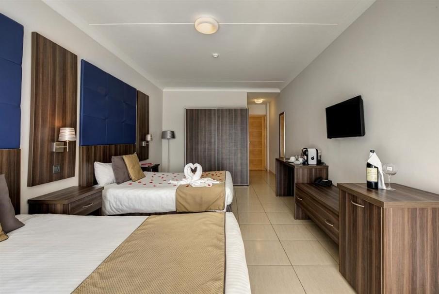 Cavalieri Art Hotel (fotografie 10)