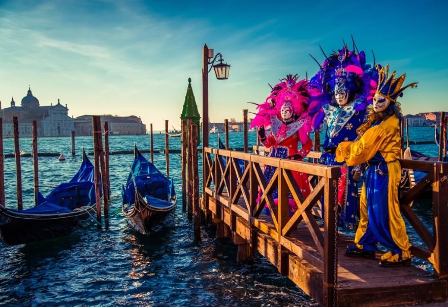 Proslulý karneval v romantických Benátkách (fotografie 14)