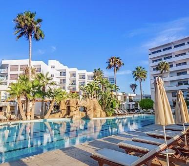 Hotel Adams Beach