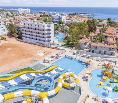 Studia a apartmány Narcissos Waterpark Resort