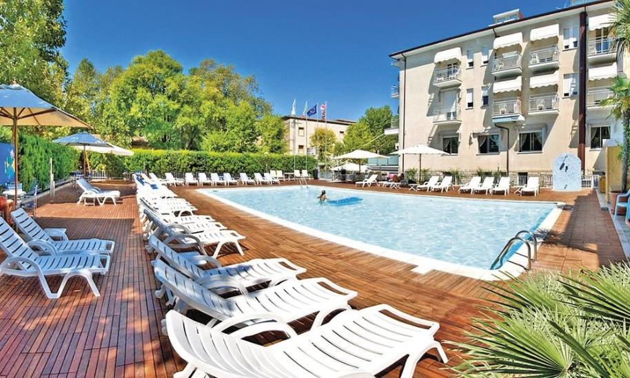 Hotel St. Moritz (fotografie 1)