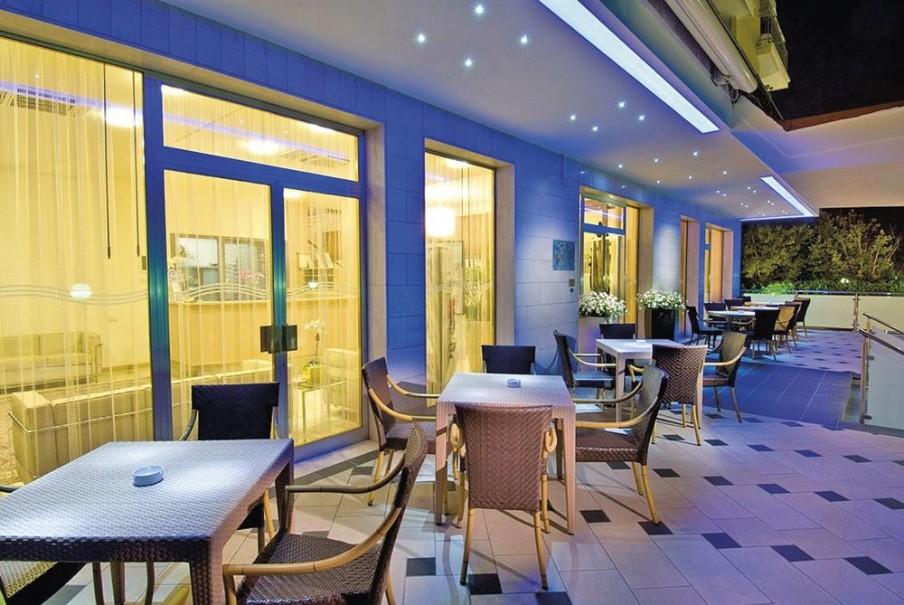Hotel St. Moritz (fotografie 12)