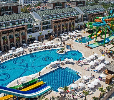 Crystal Waterworld Hotel