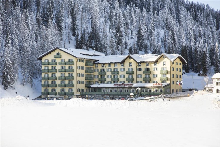 Grand Hotel Misurina (fotografie 1)