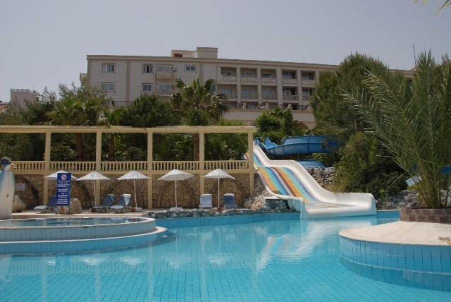 Hotel Oscar Resort (fotografie 2)