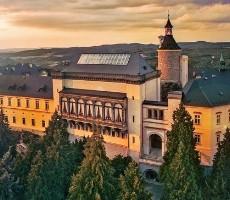 Velikonoční jarmark na zámku Zbiroh a Plzeň