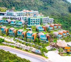 Hotel Crest Resort and Pool Villas