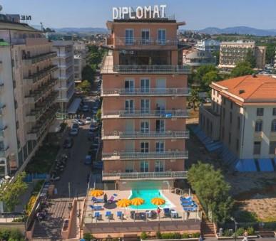 Hotel Diplomat Superior