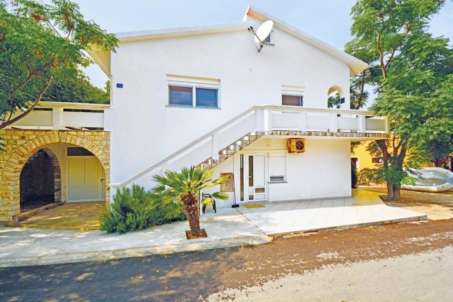Apartmány Ami (fotografie 1)
