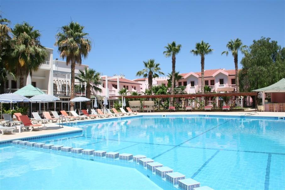 Hotel & Resort La (fotografie 1)