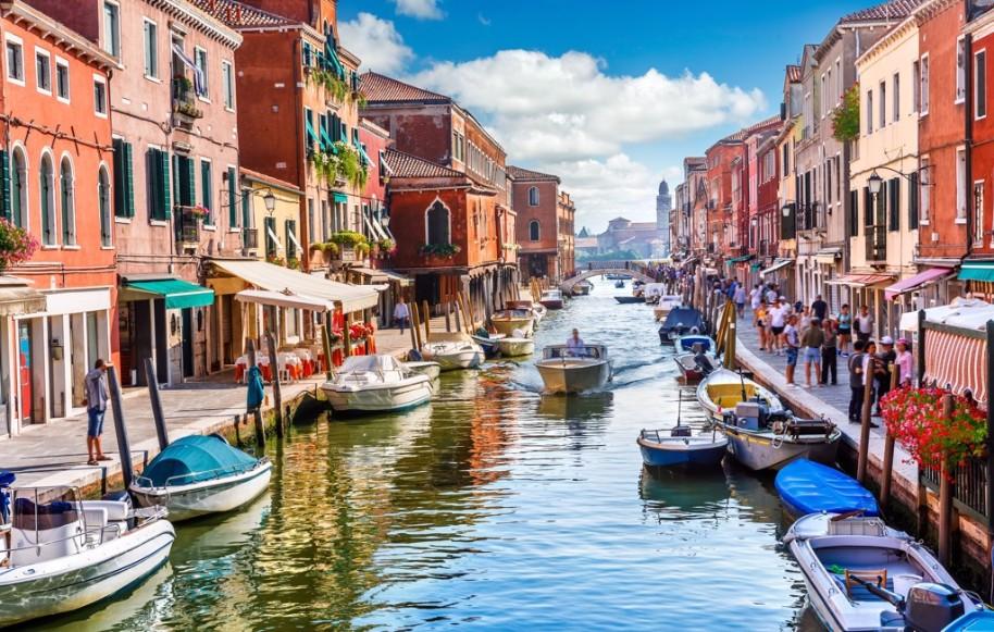 Proslulý karneval v romantických Benátkách (fotografie 4)