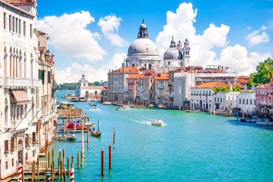 Za světoznámým karnevalem masek a návštěvou Benátek (fotografie 7)
