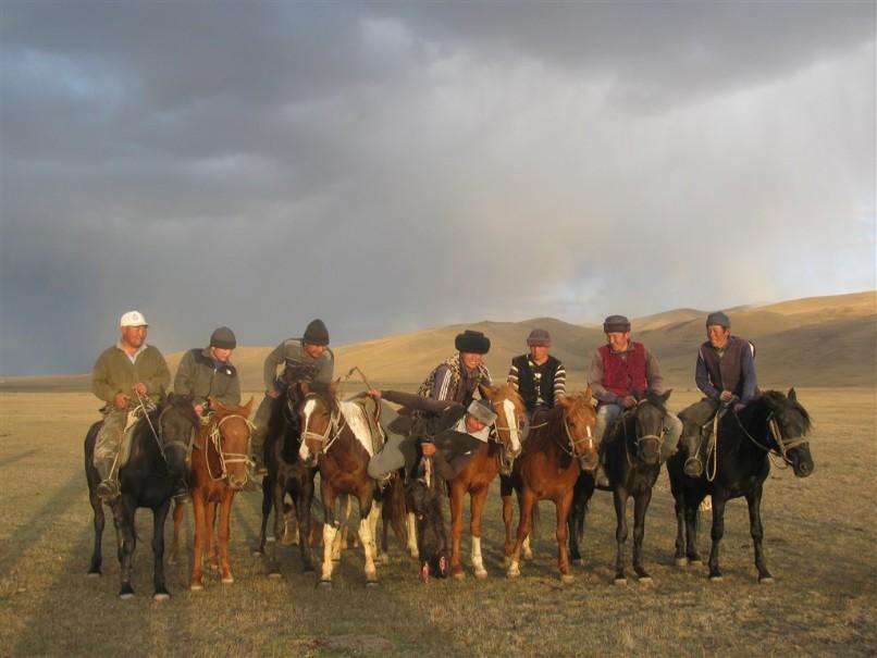 Kyrgyzstán - rajská příroda jezer a hor (fotografie 1)