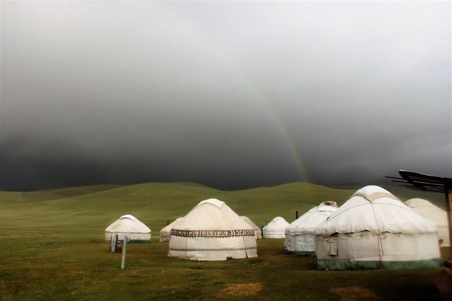 Kyrgyzstán - rajská příroda jezer a hor (fotografie 5)