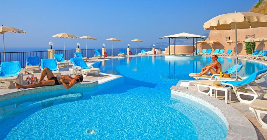 Hotel Capo Dei Greci (fotografie 1)