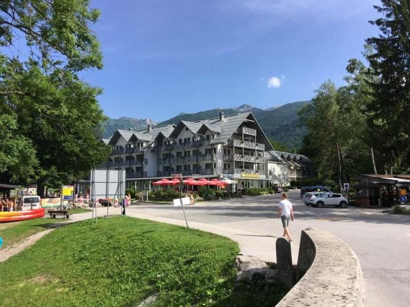 Hotel Jezero (fotografie 1)