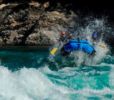 Rafting na himálajské řece Tamur (hlavní fotografie)