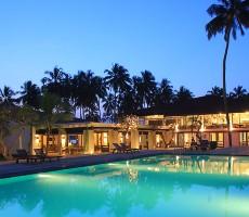 Hotel Avani Kalutara Resort & Spa