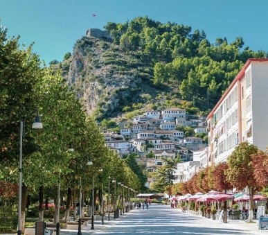 Severní Albánie - země orlů, kaňonů, smaragdových řek i vládních bunkrů
