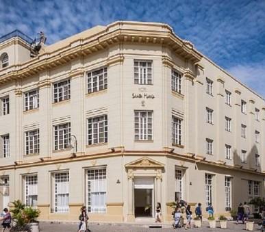 Hotel E Santa María