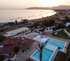 Hotel Latchi Family Resort