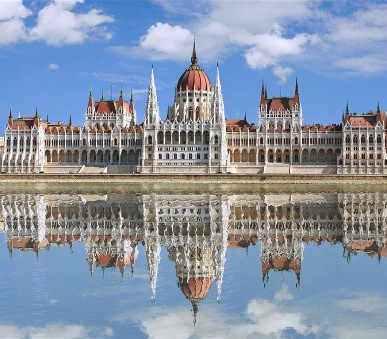 Budapešť a termály Szechényi