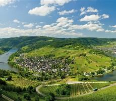 Vinicemi Mosely, údolím řeky Saar a vulkanickou krajinou Eifel