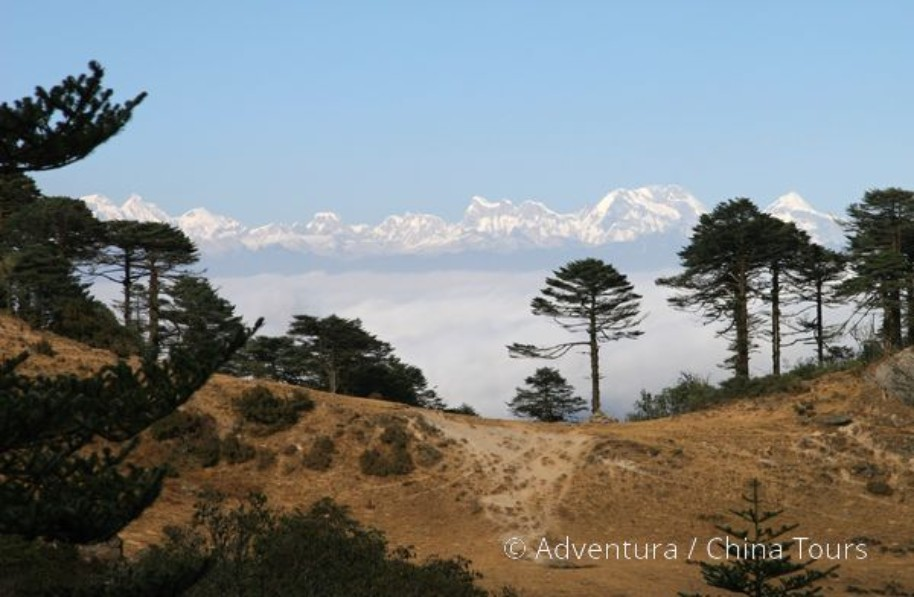 Bhútán s turistikou v zeleném Himálaji (fotografie 4)