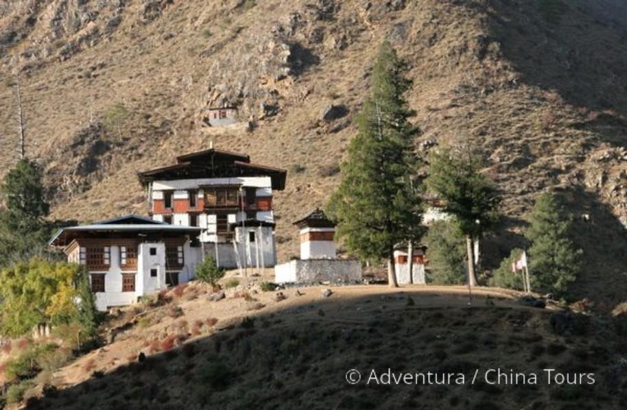 Bhútán s turistikou v zeleném Himálaji (fotografie 8)