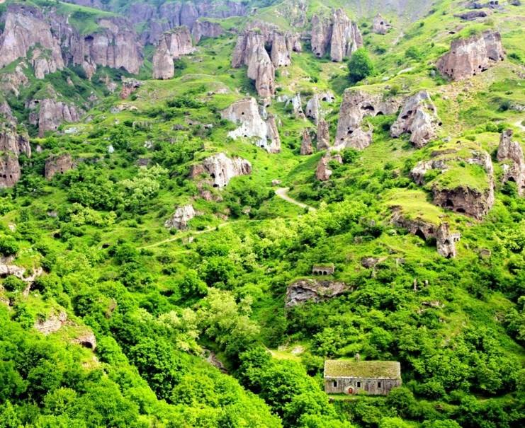 Historie a příroda v Armenii (fotografie 9)