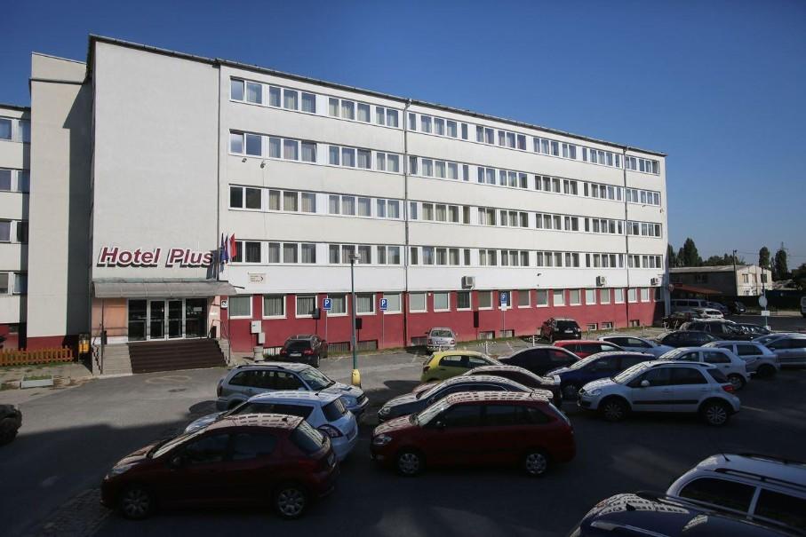 Hotel Plus (fotografie 1)