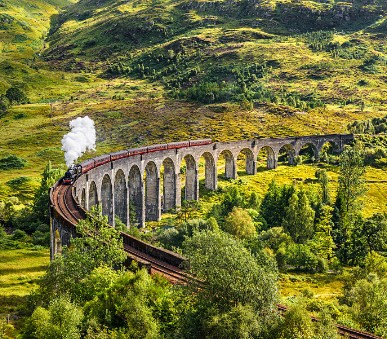 Skotsko po stopách Harryho Pottera + hrad Stirling + Loch Ness (Letecky Z Prahy