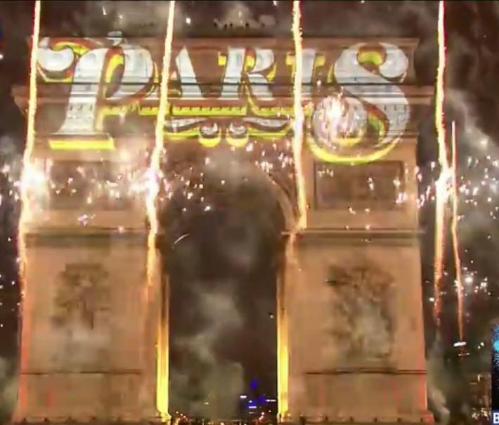 Silvestr v Paříži (fotografie 21)