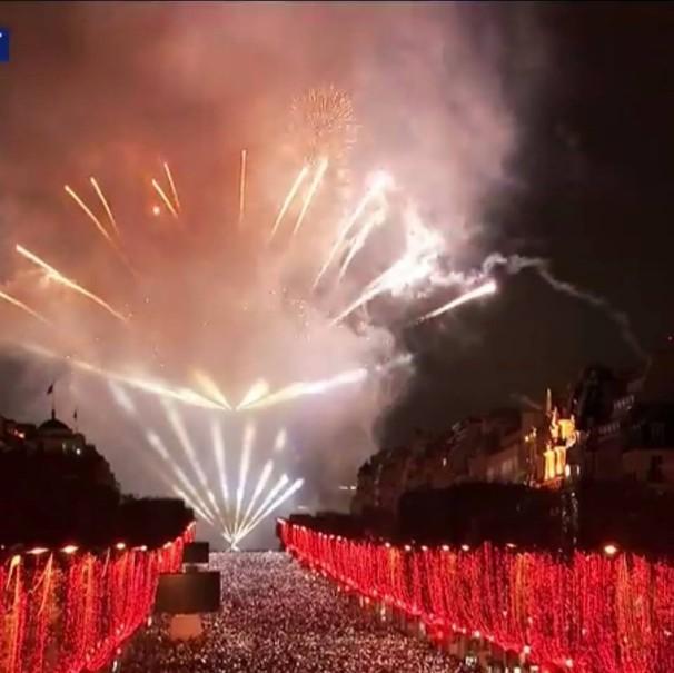 Silvestr v Paříži (fotografie 1)