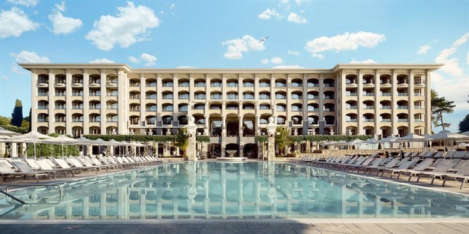 Hotel Astor Garden (fotografie 1)