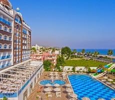 Hotel Azur Resort & Spa