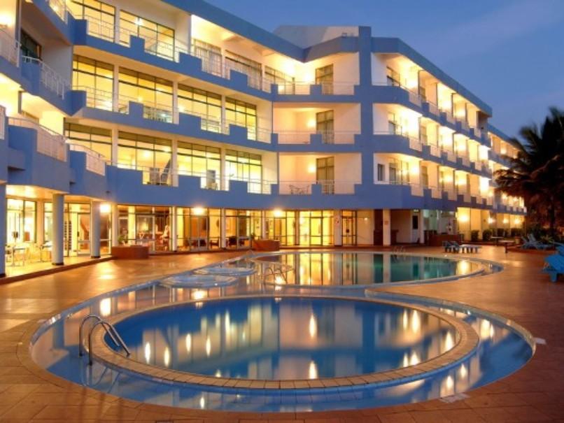 Hotel Induruwa Beach Hotel (fotografie 1)