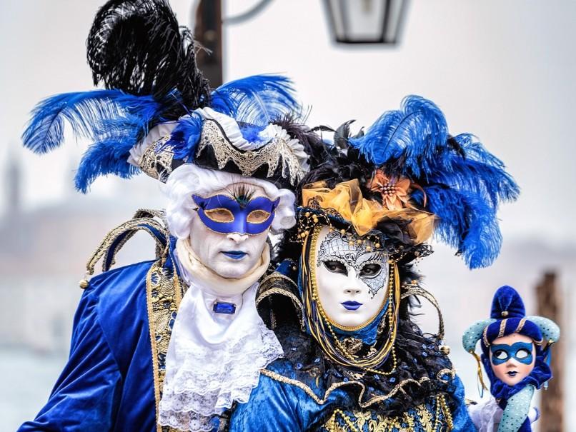 Proslulý karneval v romantických Benátkách (fotografie 2)